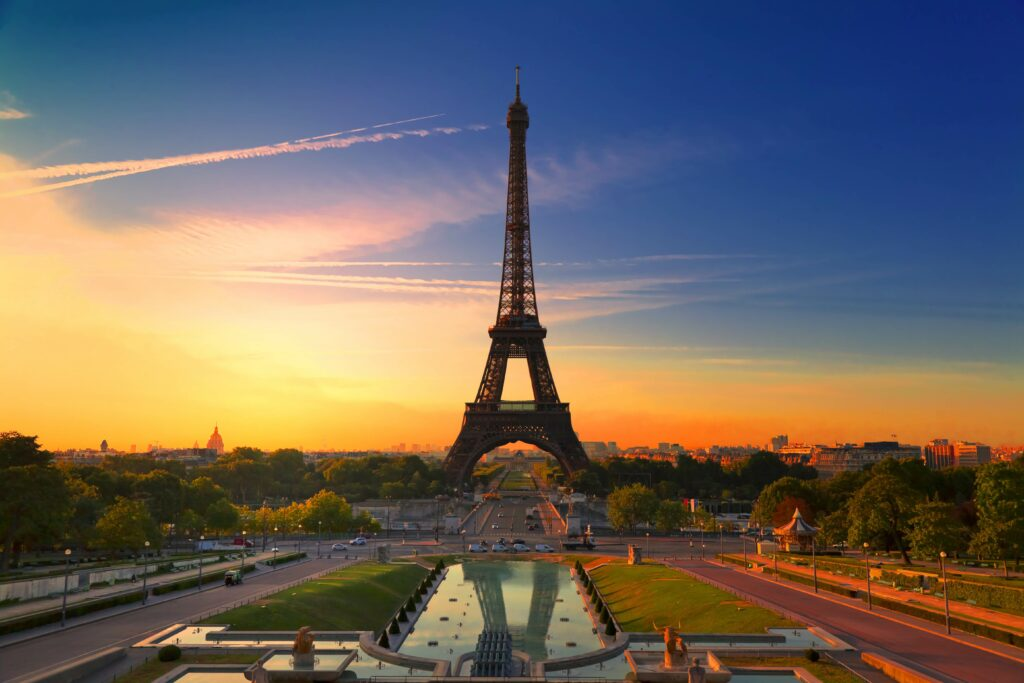 eiffel tower background images