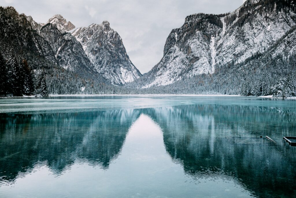 sea and mountains photo backgrounds